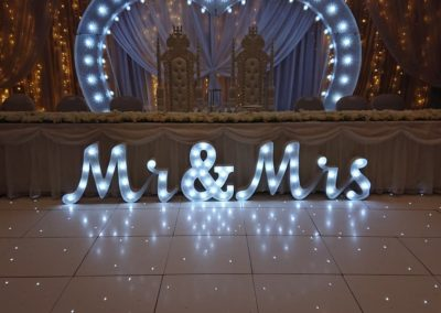 2ft Mr & Mrs