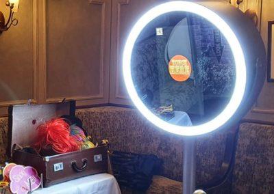 Capture Cube Vanity Selfie Mirror